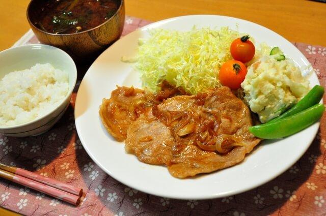 江東区で食堂をお探しなら口コミでも人気の高い【ボランティアハウスぽかぽか】
